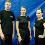Ohjaaja Hannu Korhonen onnitteli kurssin suorittaneita ja kehui kurssilaisten omaksuneen opit mainiosti