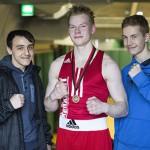 Riku Rajalin (kesk) otteli voitokkaasti, Maksim ja Antton puolestaan jäivät ilman ottelua