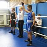 Yael Oikarinen valittiin lauantain kisoissa poikanyrkkeilijöiden parhaaksi debytantiksi