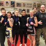Kehähaiden potkunyrkkeilijät kilpailivat Hämeenlinnassa neljän ottelijan joukkueella